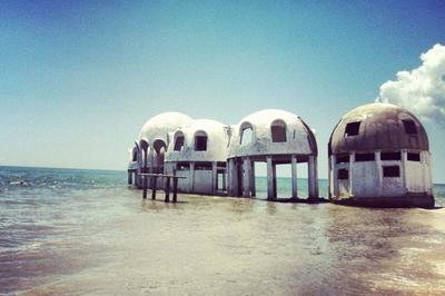 /architecture/beautiful-places-that-were-abandoned-only-to-be-found/img/abandoned01_MobileImageSizeReigNN.jpg