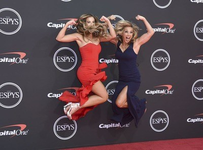 /glamour/female-athletes-like-youve-never-seen-them-before-on-the-red-carpet/img/redcarpet01_MobileImageSizeReigNN.jpg