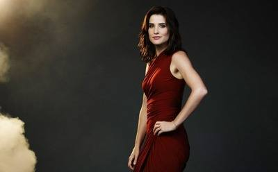 /glamour/the-untold-story-of-cobie-smulders-how-a-canadian-actress-became-americas-sweetheart/img/cobiesmulders01_MobileImageSizeReigNN.jpg