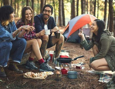 /life-hacks/we-can-never-have-enough-of-nature-hacks-that-make-camping-much-more-fun/img/shutterstock_520119067-700x545MobileImageSizeReigNN.jpg